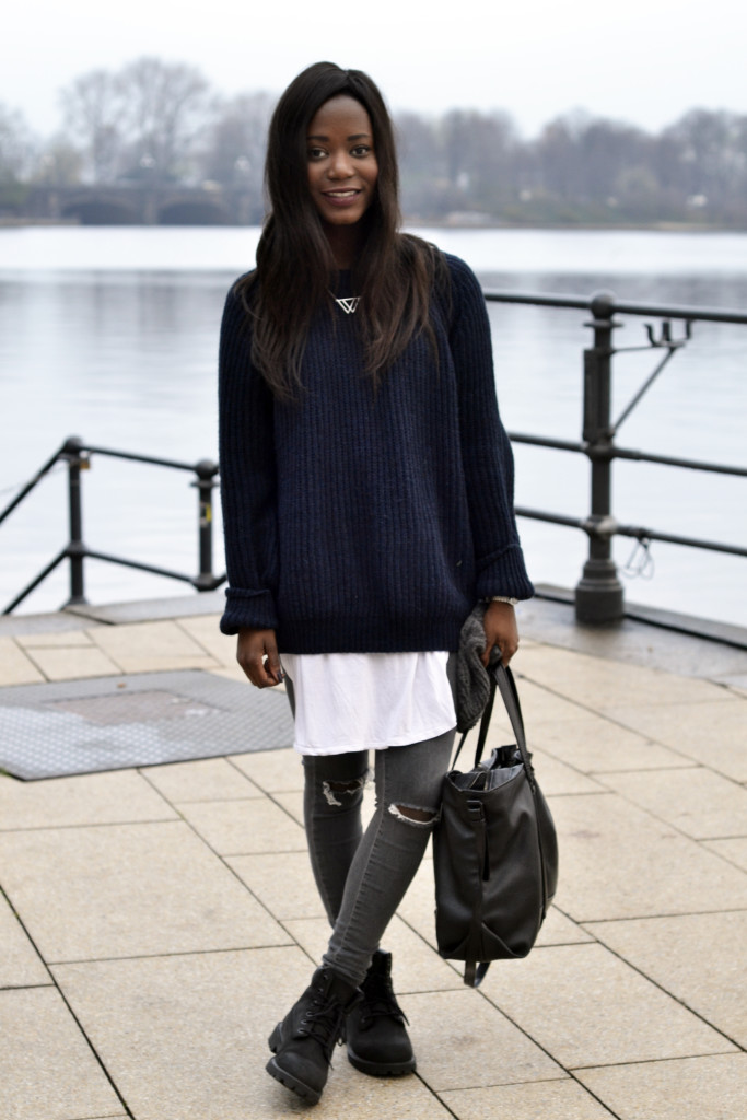 www.emmabrwn.com_oversize sweater and black timberlands07
