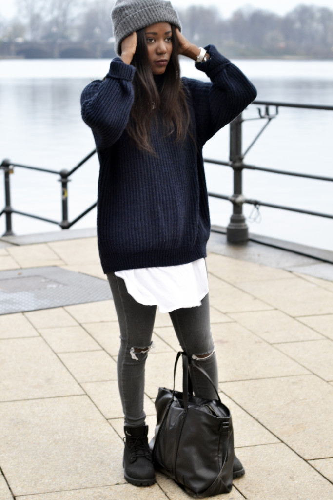 www.emmabrwn.com_oversize sweater and black timberlands08