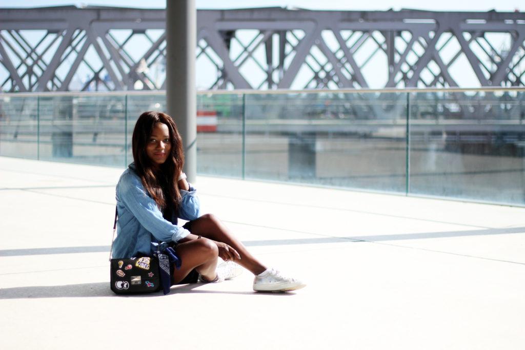 www.emmabrwn.com_blackdressjeansshirt018